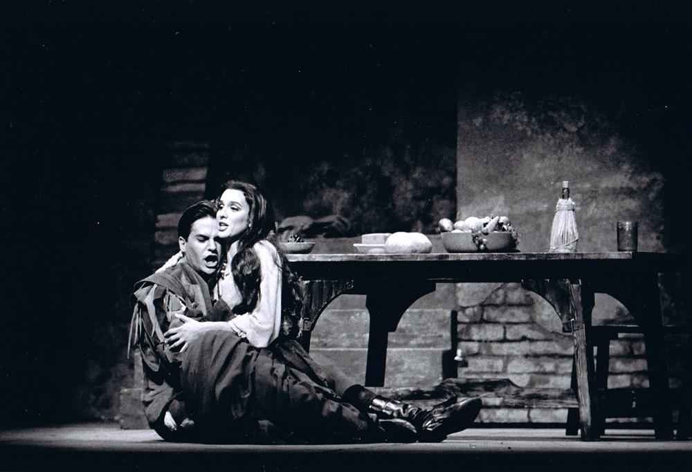 Marianne Bindig as Maddalena in Rigoletto