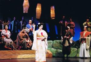 Marianne Bindig as Pitti-Sing in Mikado